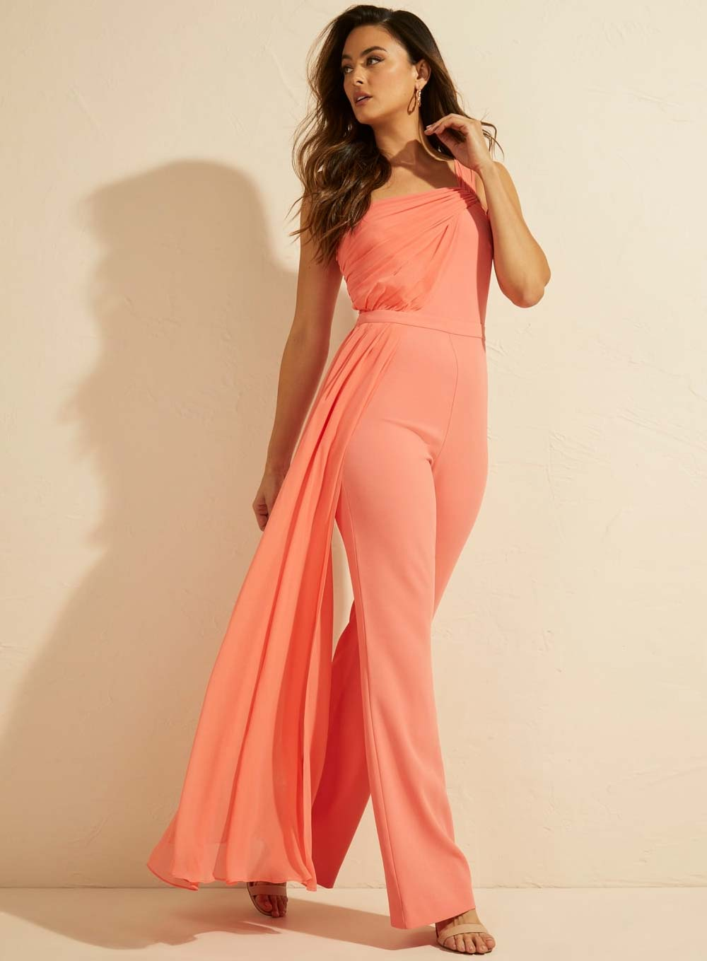 Ropa formal Guess 2021